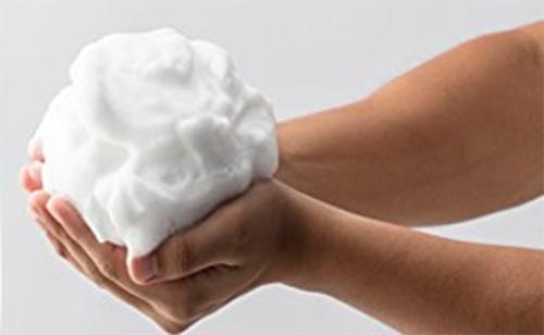 バルクオム洗顔料泡画像
